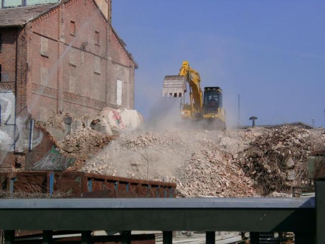 Abriss eines Speichers in Neubrandenburg 2004