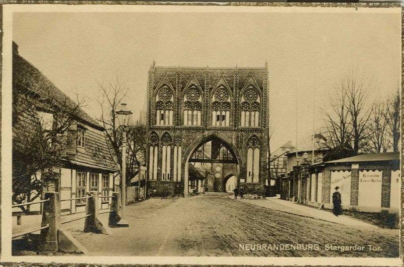 Alte Ansichtskarte Stargarder Tor in Neubrandenburg