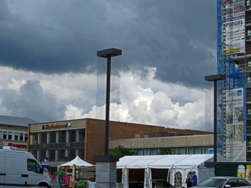 Dunkle Wolken über dem HKB in Neubrandenburg