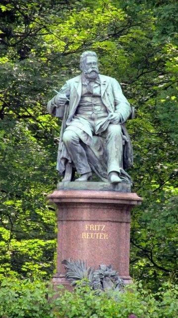 Fritz-Reuter-Denkmal in Neubrandenburg