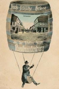 Alte Ansichtskarte: Feucht-Fröhliche Grüsse aus der fidelen Stadt Neubrandenburg