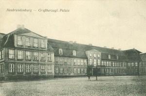 Alte Ansichtskarte Großherzogliches Palais in Neubrandenburg