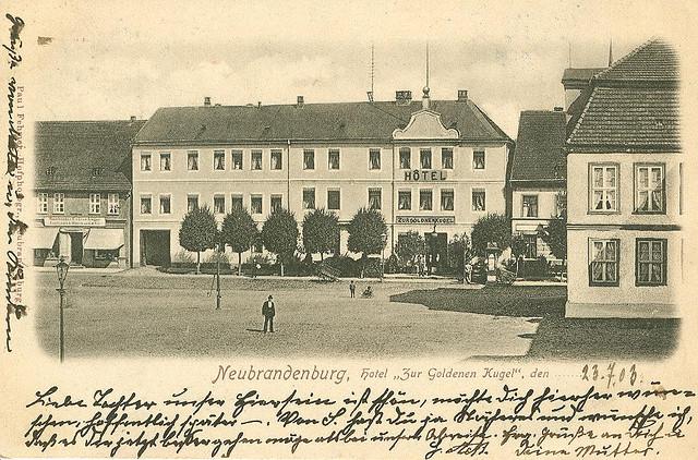 Alte Ansichtskarte Hotel Zur Goldenen Kugel in Neubrandenburg
