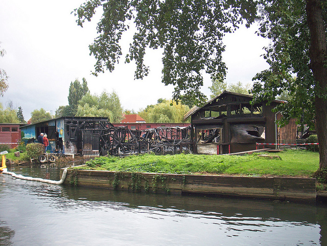 Bootsschuppenbrand am Oberbach in Neubrandenburg