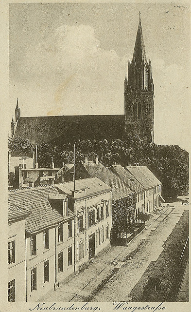 Alte Ansichtskarte Waagestrasse in Neubrandenburg