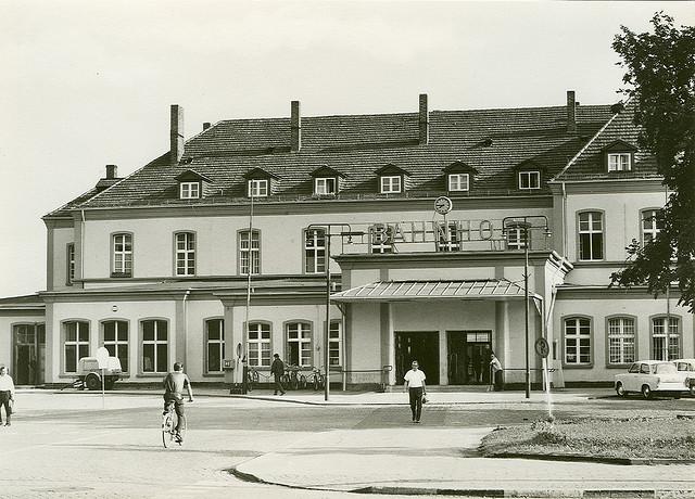 Alte Ansichtskarte Bahnhof in Neubrandenburg