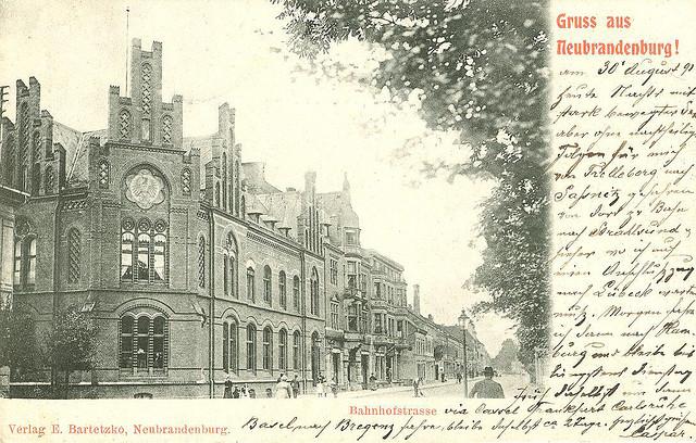 Alte Ansichtskarte Bahnhofstrasse in Neubrandenburg