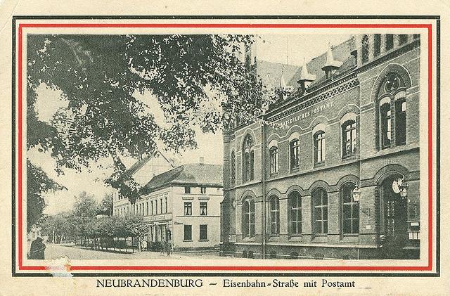 Alte Ansichtskarte Eisenbahnstrasse in Neubrandenburg