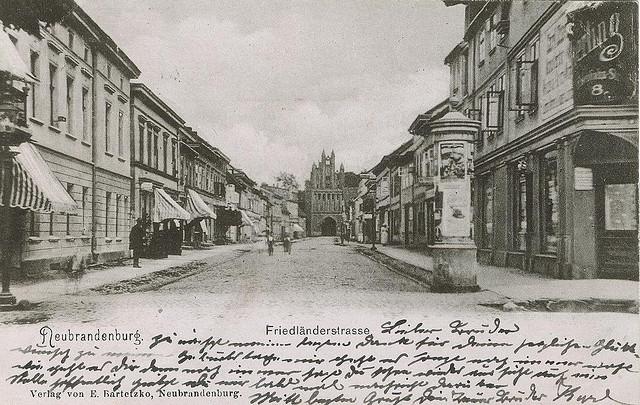 Alte Ansichtskarte Friedländer Strasse in Neubrandenburg