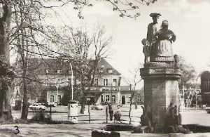 Mudder-Schulten-Brunnen in Neubrandenburg