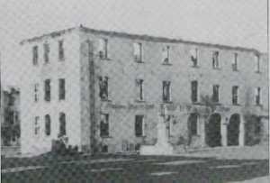 zerstörtes Rathaus Neubrandenburg 1946