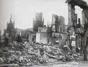 Ruine der Marienkirche in Neubrandenburg 1945