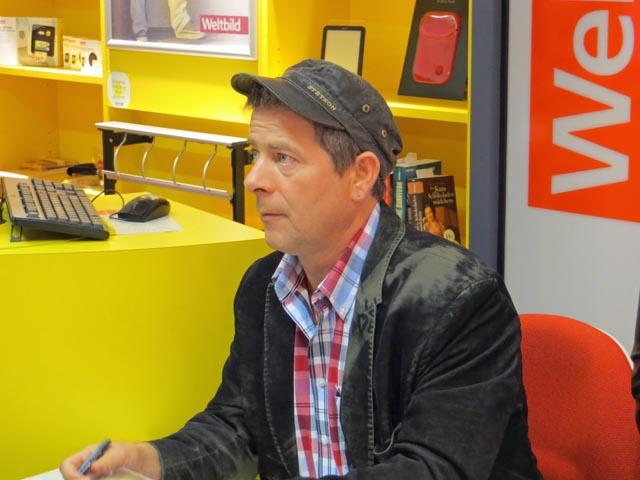 Michael Hirte bei Weltbild im Marktplatzcenter in Neubrandenburg
