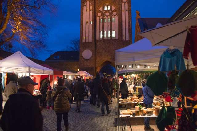 Kunstmarkt am Treptower Tor in Neubrandenburg